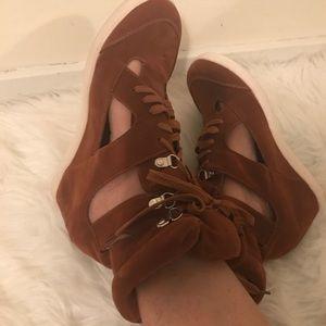 Shoes - UNIQUE WEDGE SNEAKER